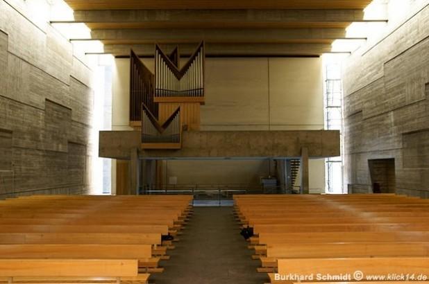 Blick vom Altarraum zur Orelempore